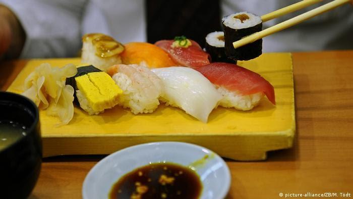El turismo en Japón y el sushi.